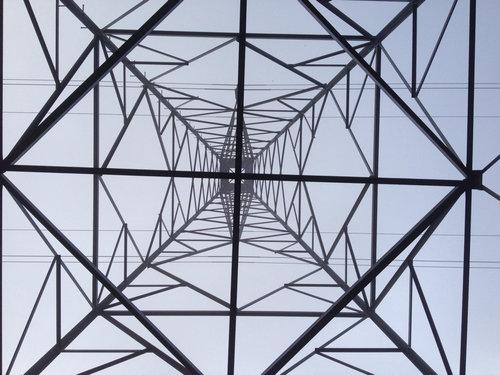 鉄塔を真下から03