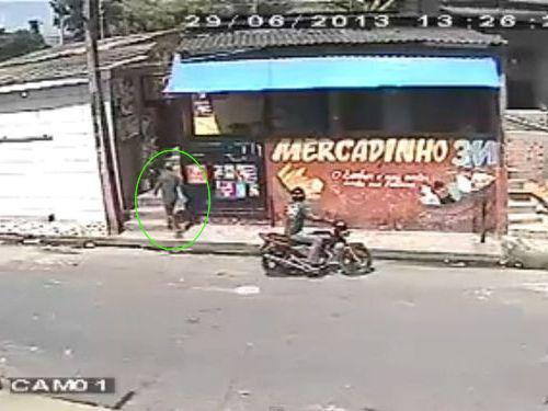 ブラジルのバイク強盗犯01