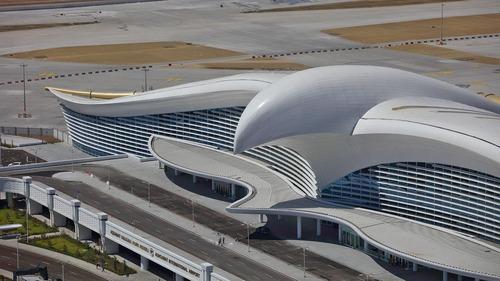 トルクメニスタンのファルコン空港02