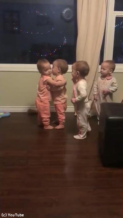 赤ちゃんがハグに目覚めると04