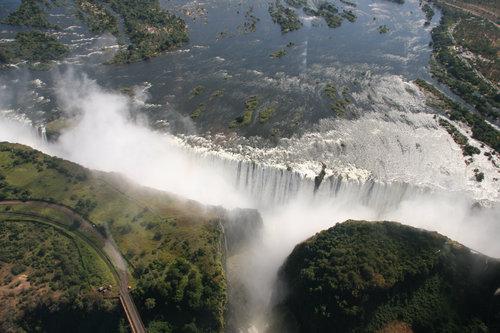 ヴィクトリアの滝02