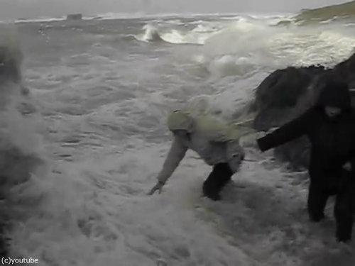 「嵐のときにビーチに近づいてはいけない理由」03