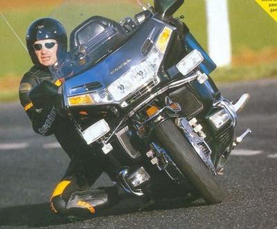 オートバイ02