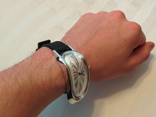 ユニークな腕時計02