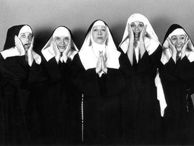 さすがイタリア、修道女の美女コンテンストを神父が開催