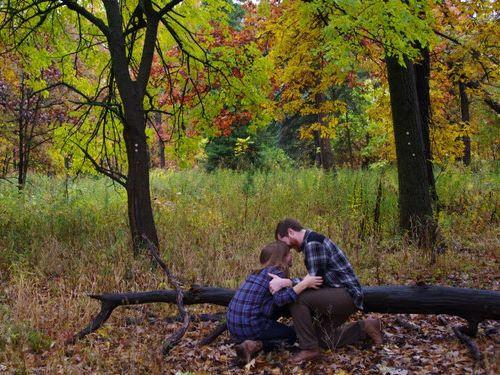 森の中で自動撮影にしてプロポーズ07