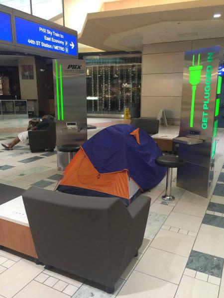 空港で見かける奇妙な事 35