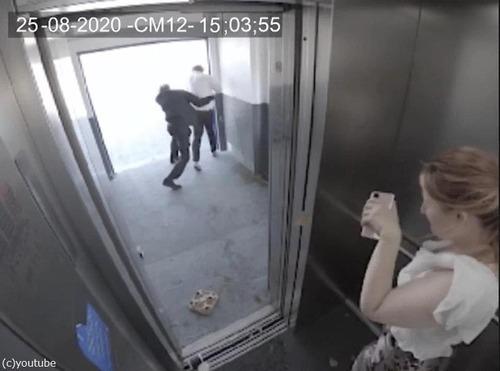 エレベーターと強風03