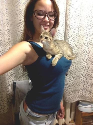 猫とお姉さん03