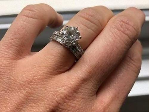 結婚指輪をうっかりゴミに出してしまった01