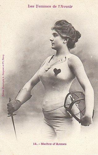 100年前に想像した未来の女性像14