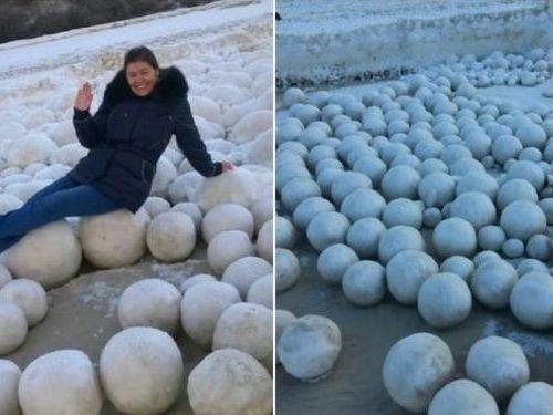 巨大な氷の玉が大量00