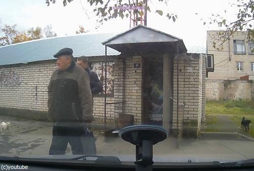 ロシアでは歩道でも左右を確認したほうがいい理由02