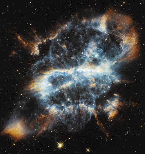 ハッブル望遠鏡がとらえた星の最後01