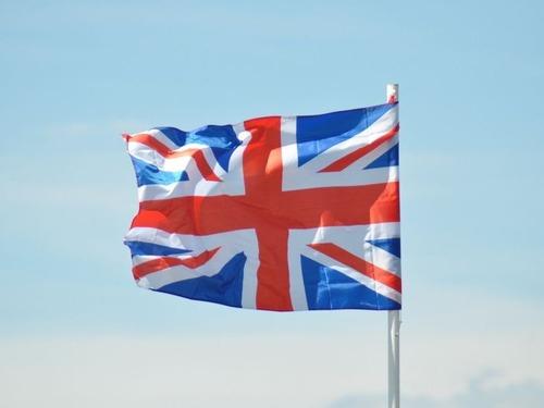 イギリスの酷暑、自販で炭酸が爆発する00