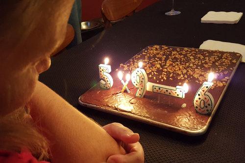 39歳の妻の誕生日に間違ったキャンドルしかなかった01