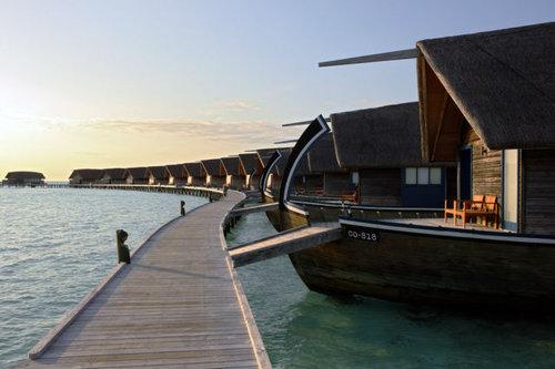 モルディブの小舟のようなホテル06