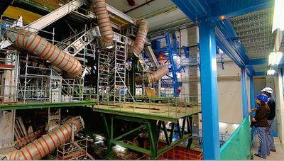 大型ハドロン衝突型加速器(LHC)05