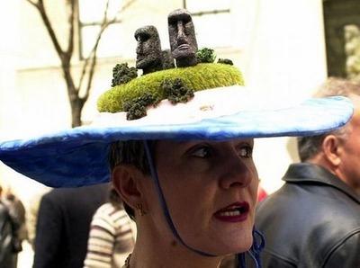 変な帽子01
