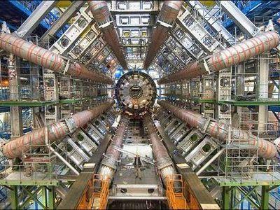 大型ハドロン衝突型加速器(LHC)00