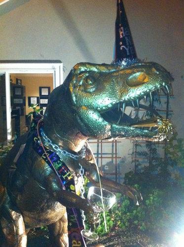 庭にいる恐竜06