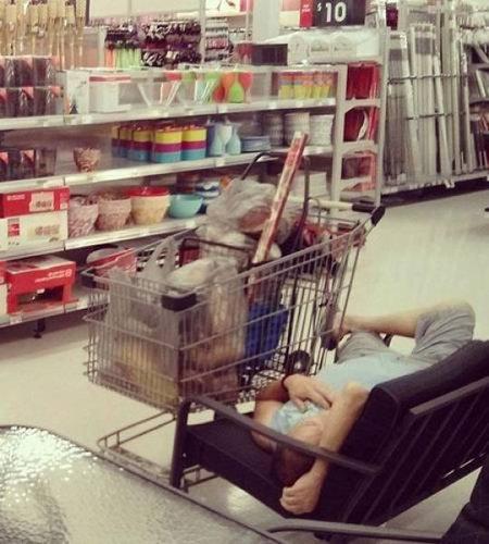 買い物に付き合った男たち18