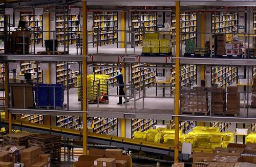 Amazonの倉庫09