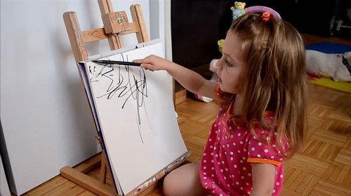 2歳の娘が描いた落書きを母親が水彩画に01