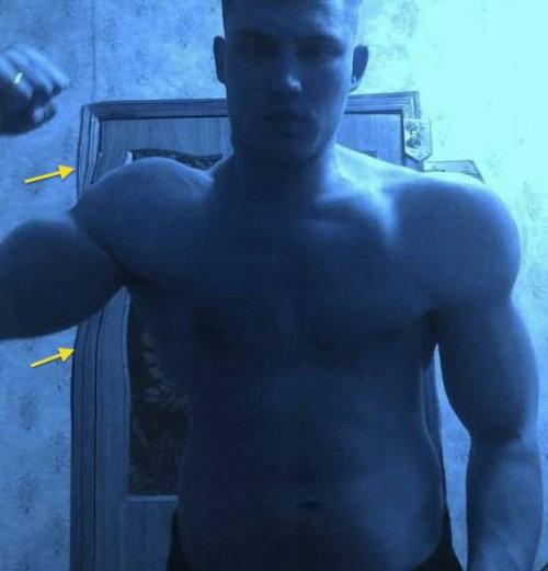 筋肉ムキムキ…合成写真01