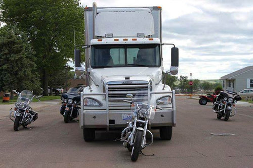 このバイクは全部トラックから見えてない01