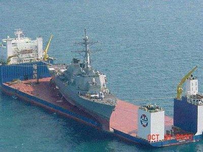 巨大なものを運ぶ船04