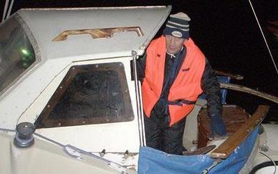3日で3回の救助された船乗り、海に出ることを禁止01
