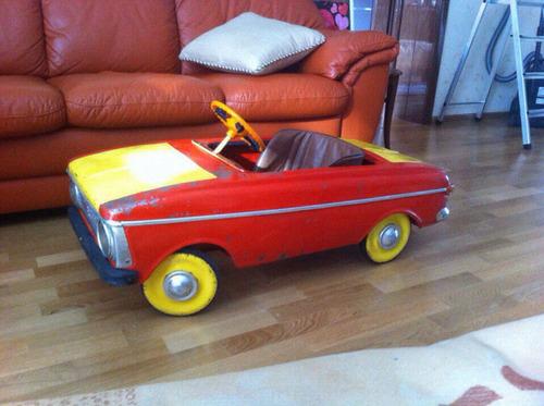 ソ連時代の子ども用のペダル車をレストア17