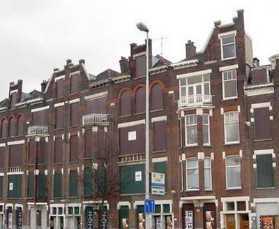 真っ青に染めてしまったロッテルダムの建物02