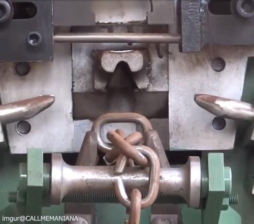 鎖工場の動画…なんだか気持ちいい01