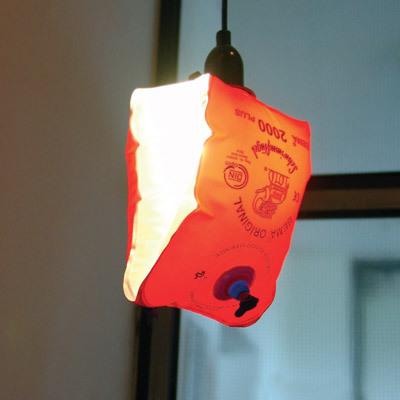 救命胴衣を電球に装着、点灯くだらない笑える面白いリサイクル06
