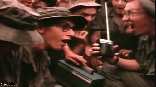 ベトナム戦争の終結をラジオで聞いた米兵02