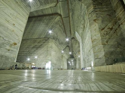 ルーマニアの塩鉱山01