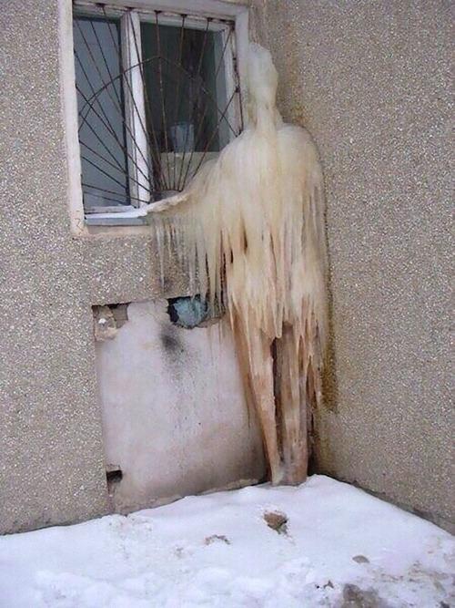 幽霊が凍る01