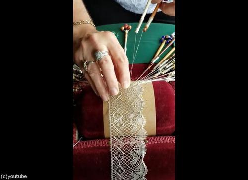 伝統的レースの編み方02