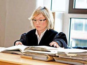 小人症の弁護士02