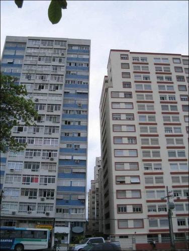 ブラジルの傾いたビル02