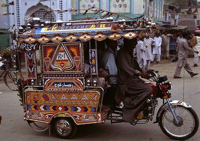 パキスタンのデコトラ11
