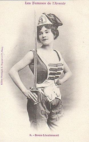 100年前に想像した未来の女性像09