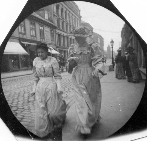 19世紀の隠しカメラ写真05