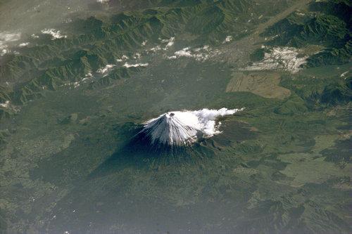 宇宙から見た「富士山」01