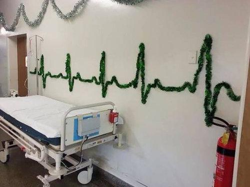貧乏学生の救急医療士たちの家のクリスマス09
