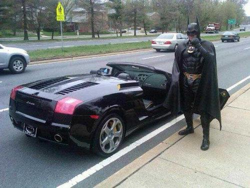 バットマンが警察に呼び止められる02