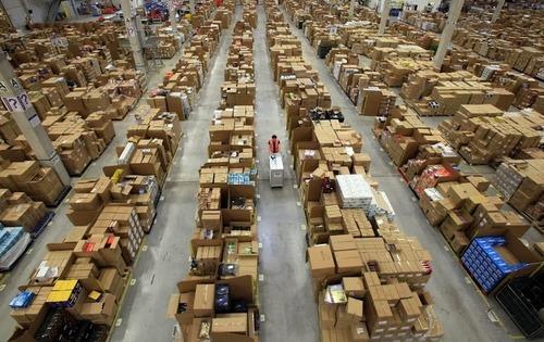 Amazonの倉庫08