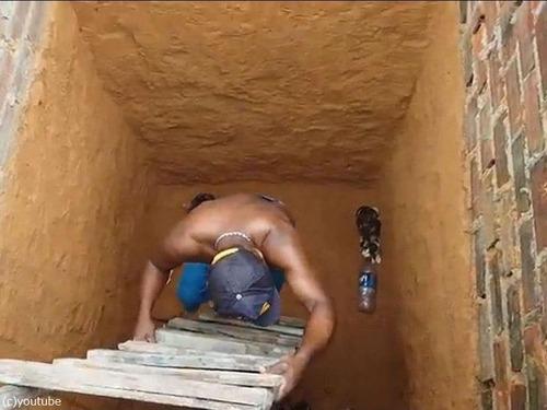 穴の下から猫を救出するつもりが02